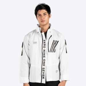 0917 Vanguard Windbreaker Jacket front
